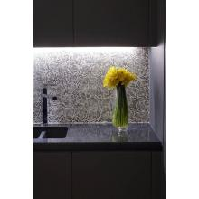Подсветка с использованием алюминиевого профиля и светодиодной ленты для подсветки рабочей поверхности
