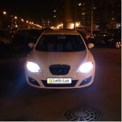 Замена галогенных ламп на светодиодные в автомобиле Seat Leon