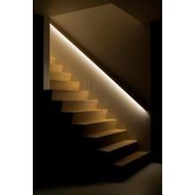 Подсветка лестничных ступеней с применением светодиодной ленты и алюминиевого профиля встроенные в поручень